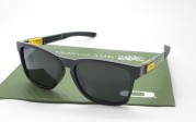 OAKLEY CATALYST Black VR 46