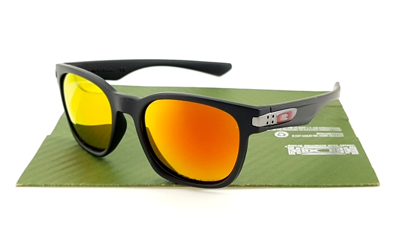 OAKLEY Garage Rock Matte Black Ducati Fire Polarized