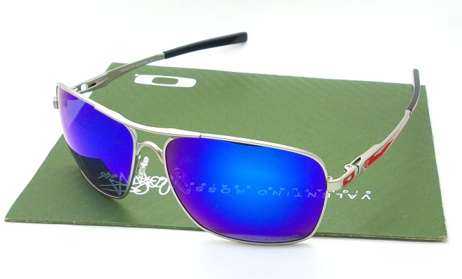 OAKLEY Plaintiff Squared Silver Ducati Lens Blue Polarized