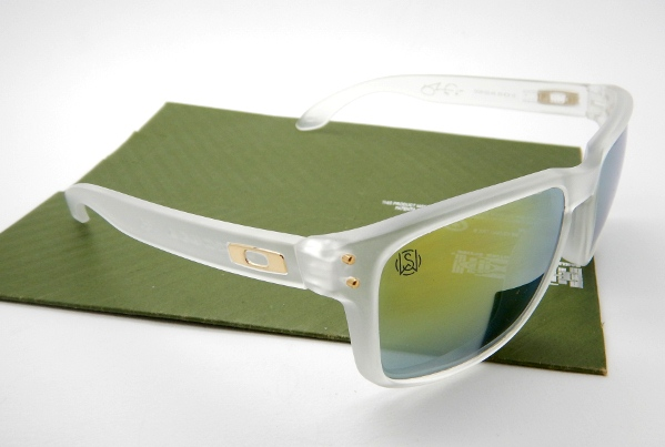 OAKLEY Holbrook Shaun White Matte Clear 24K Polarized