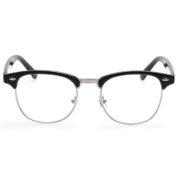 Gratiskan Kacamata, Amartha Membantu Produktivitas Warga