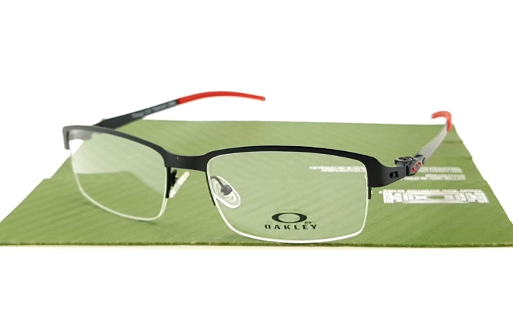 Oakley Tin Cup Half Black Red