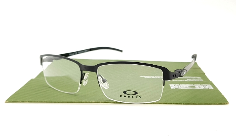 Oakley Tin Cup Half Black