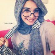 Cara Paling Tepat Dalam Memilih Kacamata Yang Tepat Untuk Hijaber