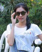 Menengok Model Kacamata Dhini Aminarti